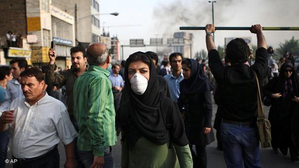 Proteste gegen Präsident Ahmadinedschad im Sommer 2009 in Teheran; Foto: AP