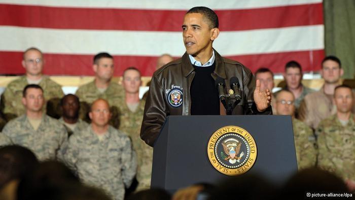 US-Präsident Obama bei einer vor Soldaten der US-Armee; Foto: dpa