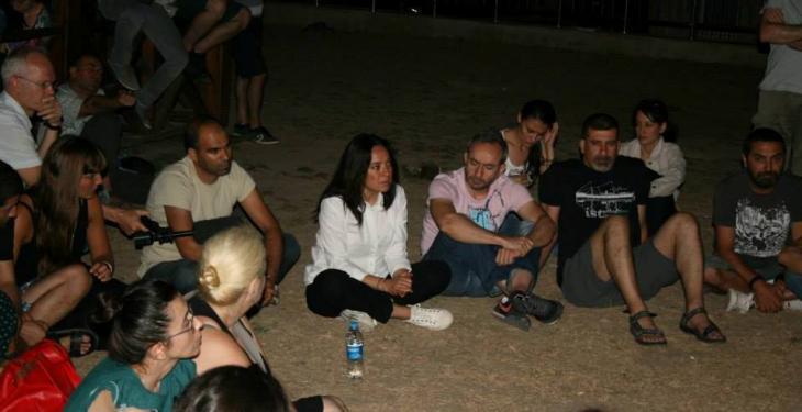 Die Journalistin Banu Güven auf dem Offenen Forum Cehangir Park; Foto: privat