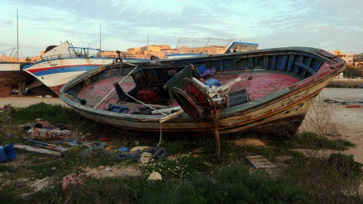 Aufgebrachtes Flüchtlingsboot; Foto: picture-alliance