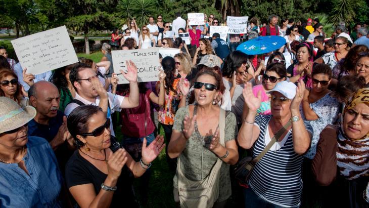 Demonstration tunesischer Frauen gegen Männergewalt in Tunis; Foto: picture alliance/abaca