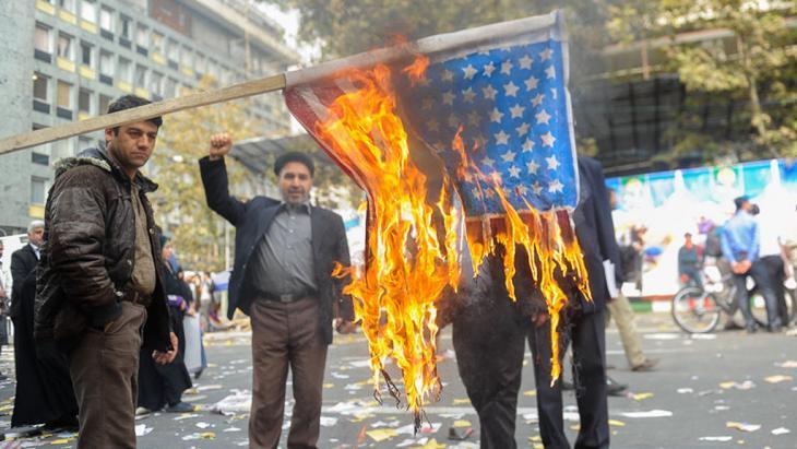 Anti-amerikanische Demo am 4.11.2013 in der Innenstadt von Teheran; Foto: ISNA