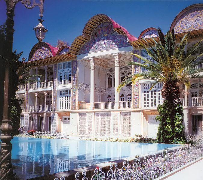 Das Ghavam-Gartenhaus im Bagh-e-Eram in Shiraz; Foto: wikipedia