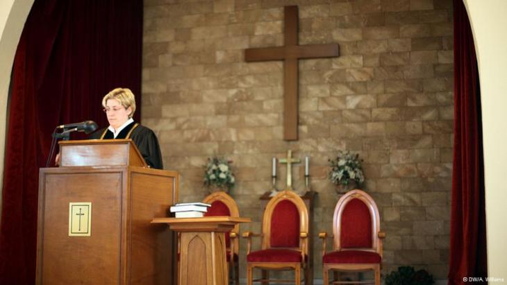 Pastor Rola Sleiman in her church in Tripoli (photo: DW/A. Williams)