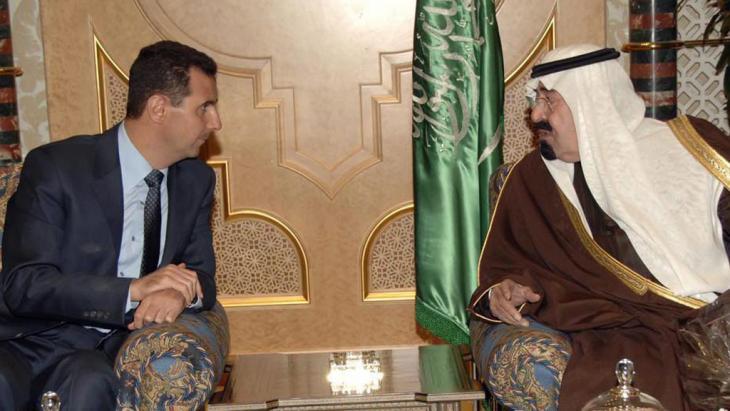 Saudischer König Abdullah bin Abdulaziz Al Saud (rechts) und der syrische Präsident Bashar Al-Assad im Januar 2010; Foto:dpa