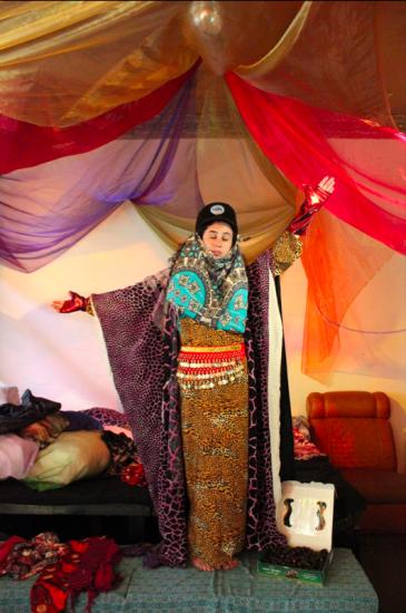 """Rima Najdi in her performance """"Dress ME how YOU like"""" in Berlin (photo: Ana Nieves Moya)"""