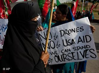 Protest against US drone attacks in Pakistan (photo: AP)