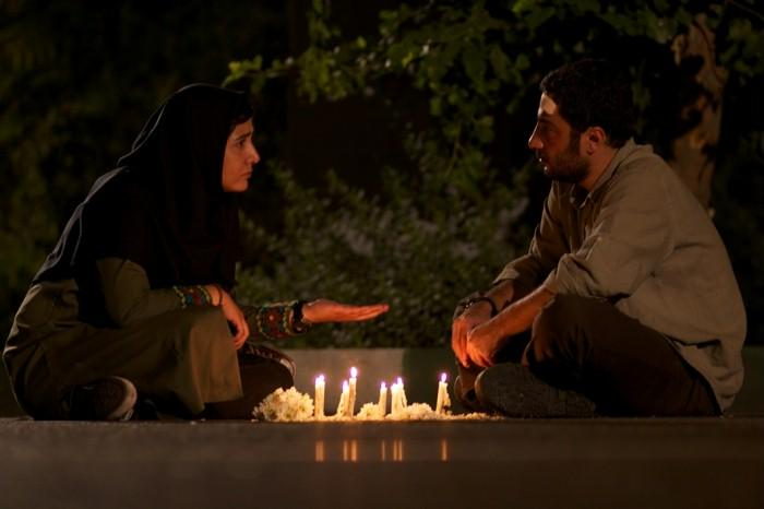 "Baran Kosari and Navid Mohammadzadeh in einer Filmszene aus ""Asabani Nistam!"""