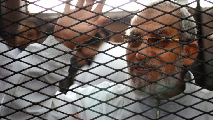 Inhaftiertes Oberhaupt der Muslimbrüder, Mohammed Badie; Foto: Ahmed Gamil/AFP/Getty Images