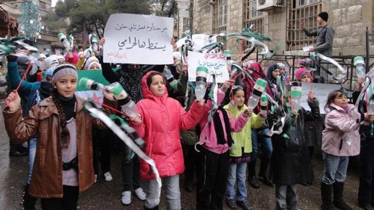 Kinder demonstrieren gegen das Assad-Regime in Zabadani; Foto: Reuters