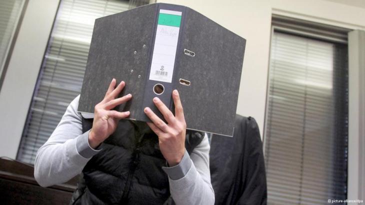 Angeklagter Deutsch-Afghane Isa S. vor Gericht; Foto: picture-alliance/dpa