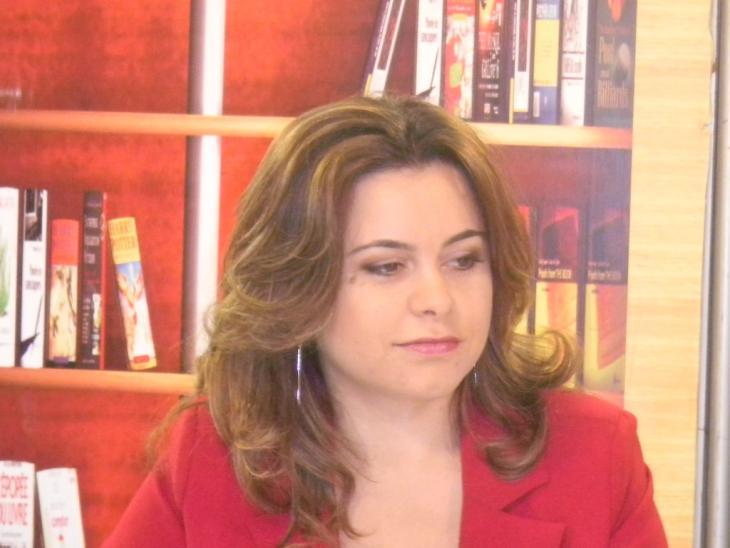 Die marokkansiche Schriftstellerin Sanaa Elaji; Foto: privat