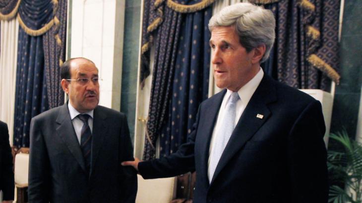 Der irakische Regierungschef Nuri al-Maliki (l.) und US-Außenminister John Kerry; Foto: Getty Images