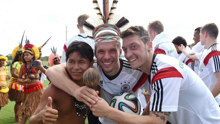 Deutsche Nationalelf bekommt Besuch beim Training im brasilianischen Campo Bahia; Foto: Getty Images
