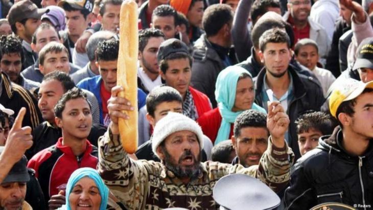 Proteste gegen soziale Not und Arbeitslosigkeit in der tunesischen Stadt Sidi Bouzid; Foto: Reuters