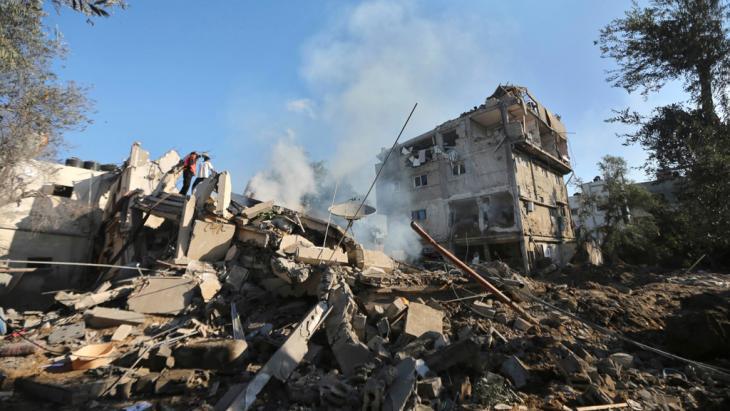 Trümmer eines Hauses in Gaza Stadt, das durch einen israelischen Angriff zerstört wurde. 16. Juli 2014; Foto: REUTERS/Mohammed Salem