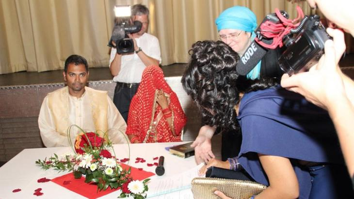 Islamische Eheschließung zwischen einer muslimischen Frau und einem christlichen Mann; Foto: Ulrike Hummel