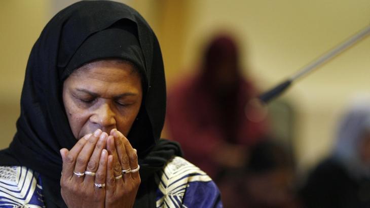 Die Islamwissenschaftlerin und Vorbeterin Amina Wadud; Foto: Adrian Dennis/AFP/Getty Images