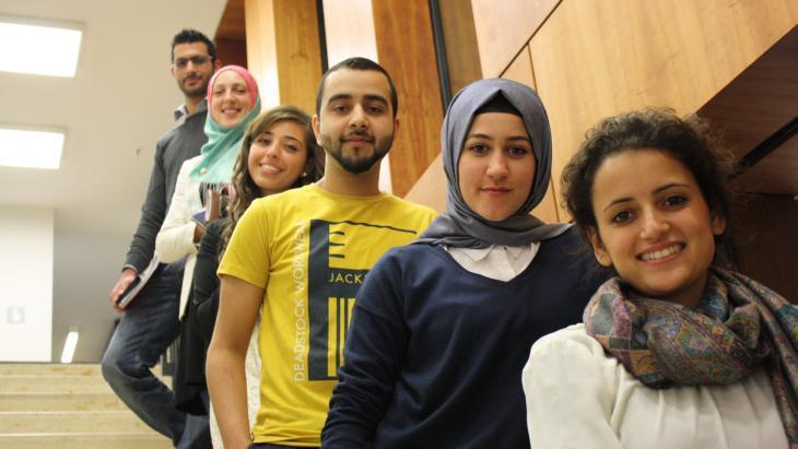 Stipendiaten des Avicenna-Bildungswerks; Foto: Vincenzo Ferrera