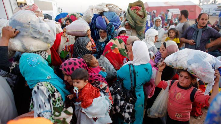 Syrische Flüchtlinge an der Grenze zur Türkei; Foto: Reuters/Murad Sez
