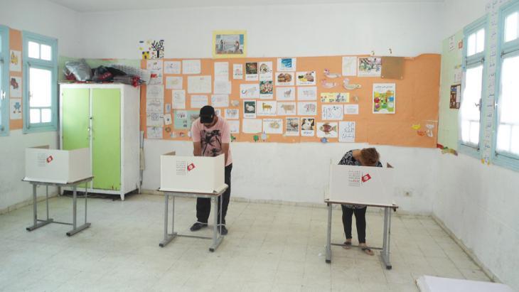 Wahllokal in Tunesien; Foto: DW