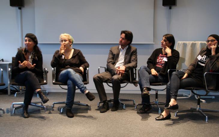 """Diskussionsrunde """"Poetry-Slam als Mittler zwischen den Kulturen"""", Foto: Fabian Pianka"""