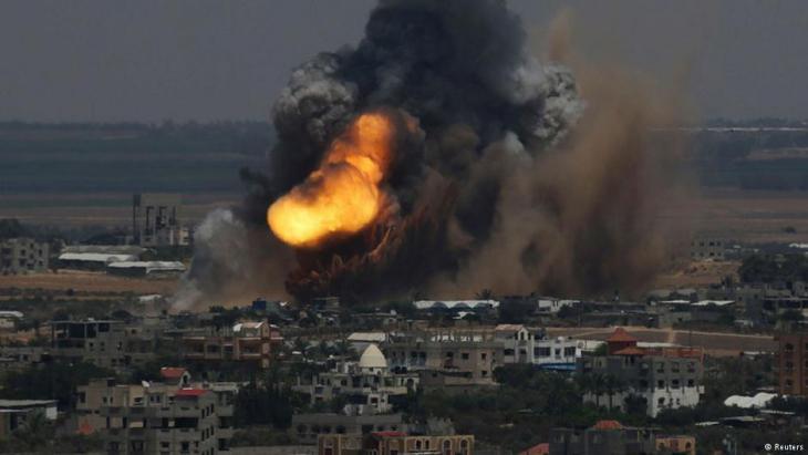 50 Tage Gaza Krieg - Raketeneinschläge in Gaza-Stadt; Foto: Reuters