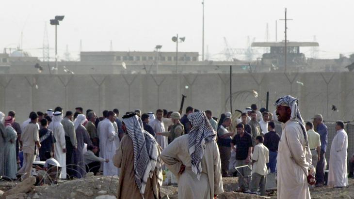 Abu Ghraib im August 2004; Foto: AP Photo/Samir Mizban