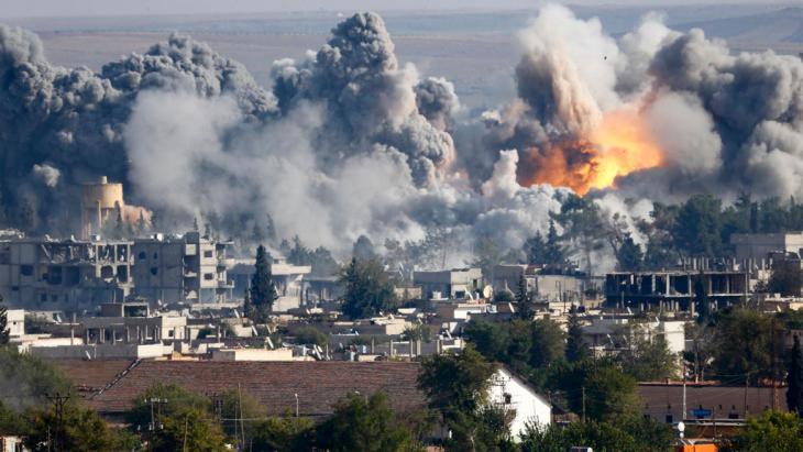 US-Luftschläge gegen den IS in Kobane, Foto: Reuters/K. Pfaffenbach