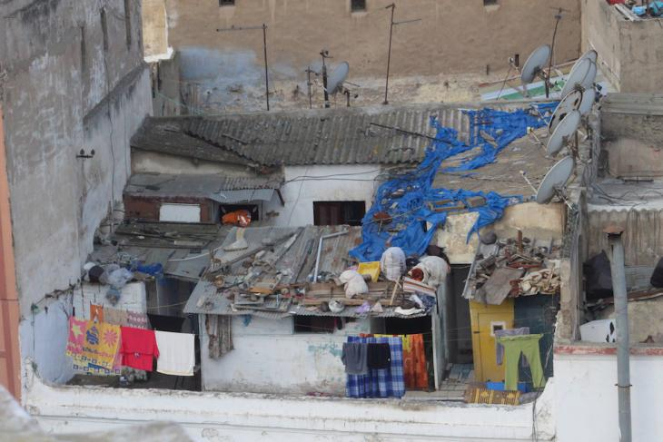 Baracken auf Dächern in Casablanca; Foto: Susanne Kaiser