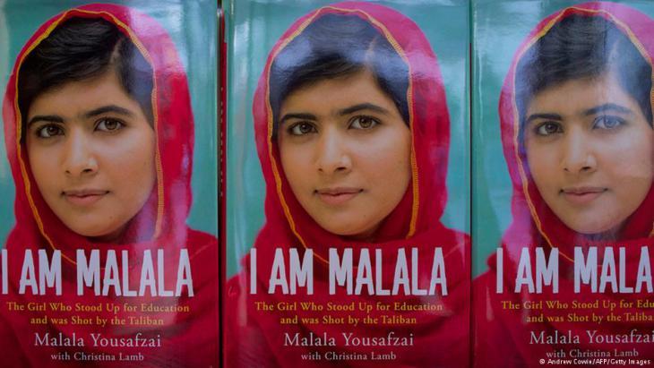 "Buchcover von Malalas Autobiographie: ""I am Malala""; Foto: Andrew Cowie/AFP/Getty Images"
