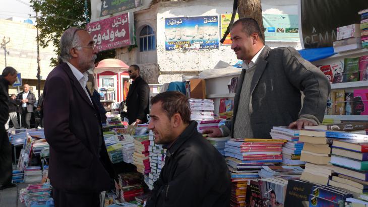 Bücherflohmarkt in Sulaimaniya; Foto: Stefan Weidner