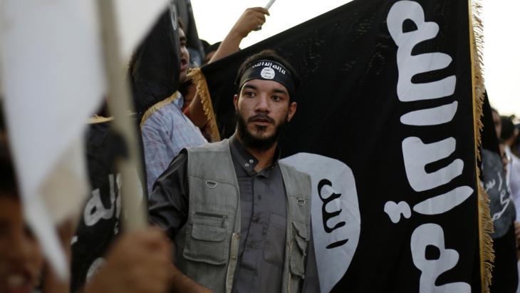 Radikal-islamische Ansar al-Sharia Brigaden in Libyen; Foto: picture alliance/AP