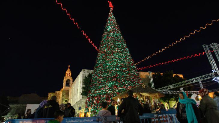 Weihnachten in Bethlehem vor der Geburtskirche, Foto: AP