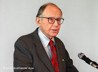 Der US-amerikanische Politologe Samuel P. Huntington; Foto: dpa/picture-alliance
