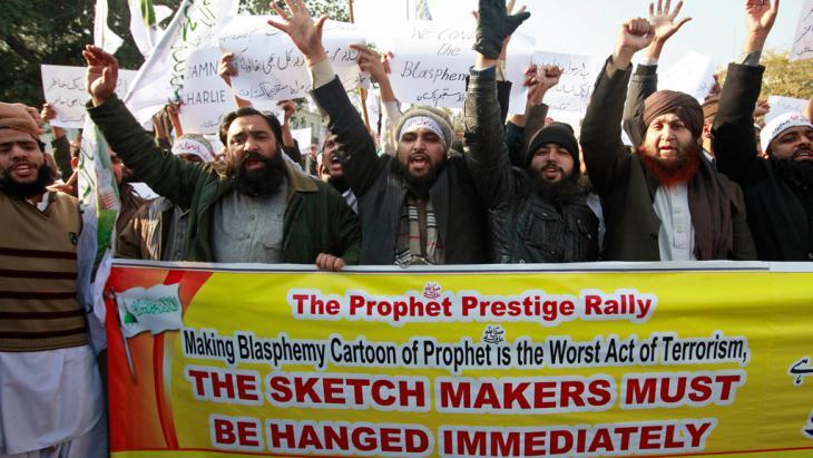 Proteste gegen Charlie Hebdo Karikaturen in Lahore; Foto: Reuters