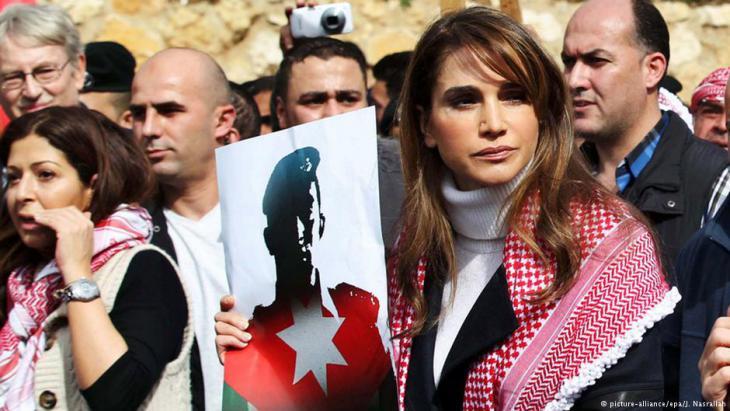 Proteste gegen den IS in Ammann, gemeinsam mit Königin Rania, Foto: picture-alliance/dpa
