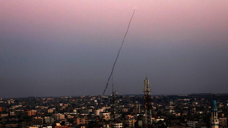 Raketenangriff der Qasssam-Brigaden aus dem Gaza-Streifen auf israelisches Staatsgebiet; Foto: picture-alliance/dpa