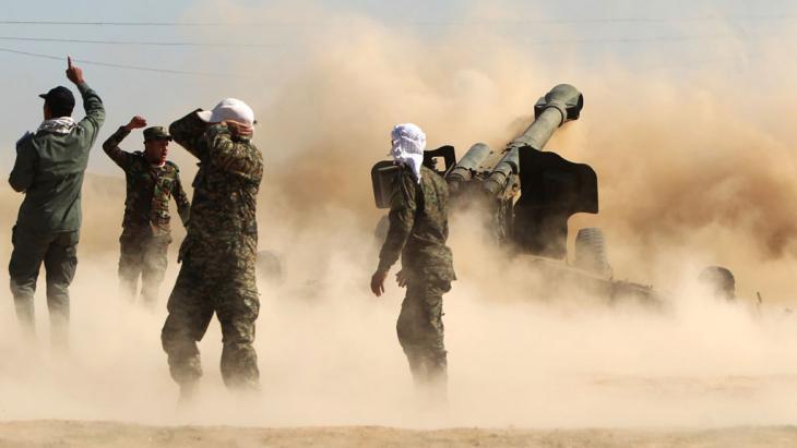 Schiitische Freiwillige beim Kampf gegen den IS vor Tikrit; Foto: Getty Images/AFP/Al-Rubaye