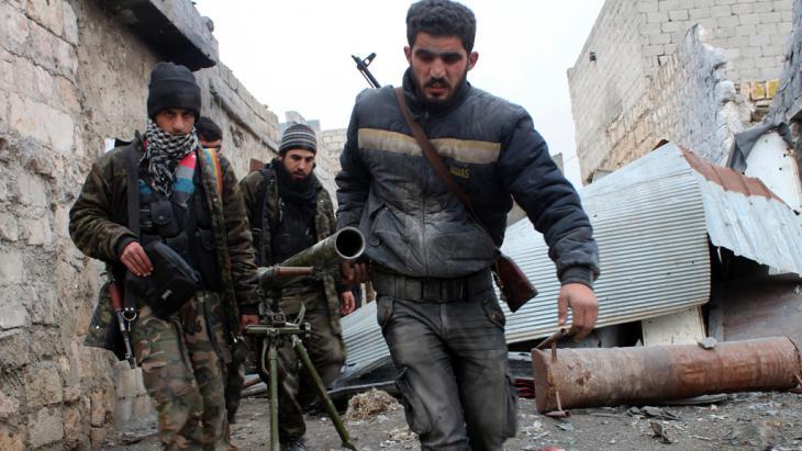 FSA-Einheiten im umkämpften Aleppo; Foto: Salah Al-Ashkar/AFP/Getty Images
