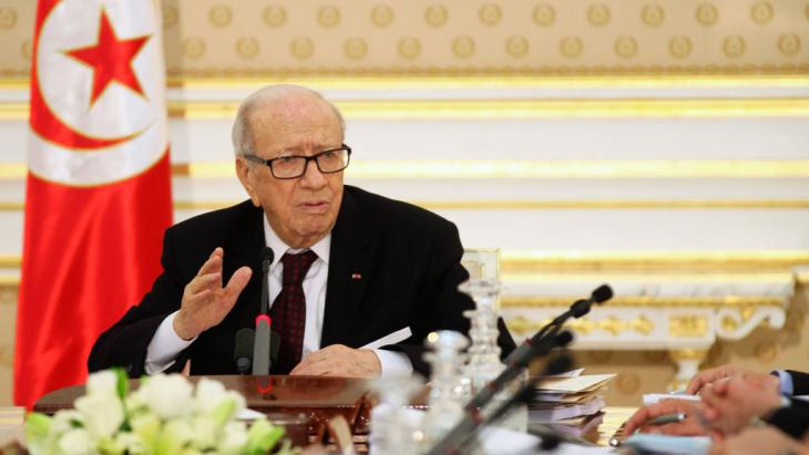 Präsident Beji Caid Essebsi bei seinem Statement nach dem Terroranschlag. Foto: Reuters/Z. Souissi