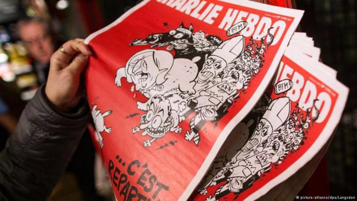 """Die erste Ausgabe des Satire-Magazins """"Charlie Hebdo"""", sieben Wochen nach dem Anschlag auf die Redaktion in Paris. Foto: DPA"""