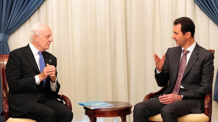 Der UN-Gesandte Staffan de Mistura zu Gesprächen bei Baschar al-Assad; Foto: picture-alliance/dpa