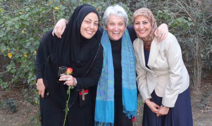 Von links nach rechts im Bild: Samarkand al- Djabiri, Birgit Svensson und Amal al-Nusairi; Foto: Birgit Svensson