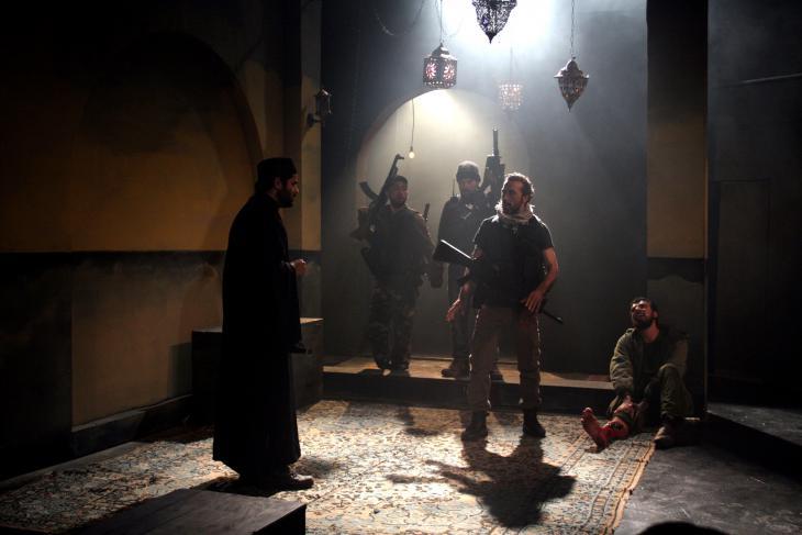"Szene aus der Theaterpremiere ""The Siege"" in Jenin, am 3. April 2015; Foto: Ylenia Gostoli"