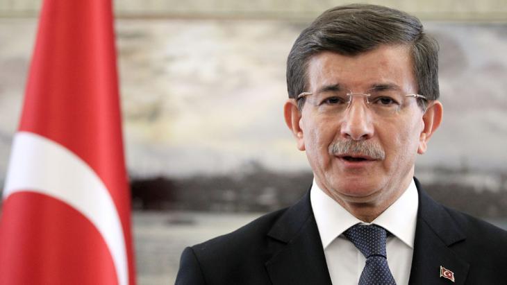 Ahmet Davutoglu  (photo: picture-alliance/AA/Ahmet Dumanli)