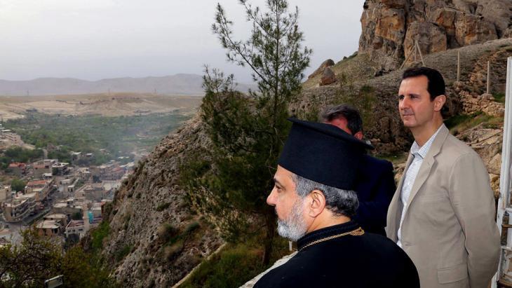 Syriens Präsident Assad nach der Rückeroberung der christlichen Stadt Maalula; Foto: dpa/picture-alliance