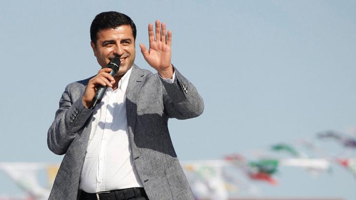 Selahattin Demirtaş; Foto: Picture-Alliance/DPA/U. Yunus Tosun