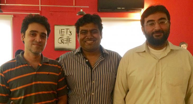 Yahya Ehsan (l.), Mustafa Hasnain und Gauhar Aftab; Foto: Creative Frontiers