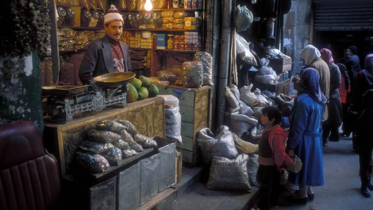 Verkaufsstand im Souk Hamidiya in der Altstadt von Damaskus; Foto: R. Hayo
